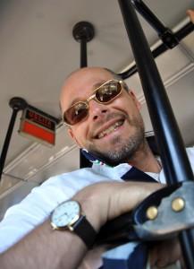 Autor Dieter Jaeschke unterwegs in einem Linienbus auf Ischia